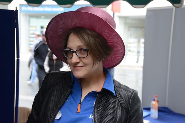 Victoria & Hat[704]