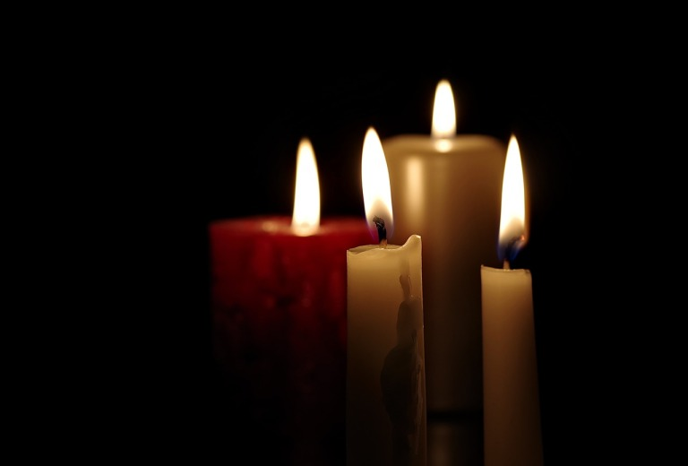 candles-2988598_1280