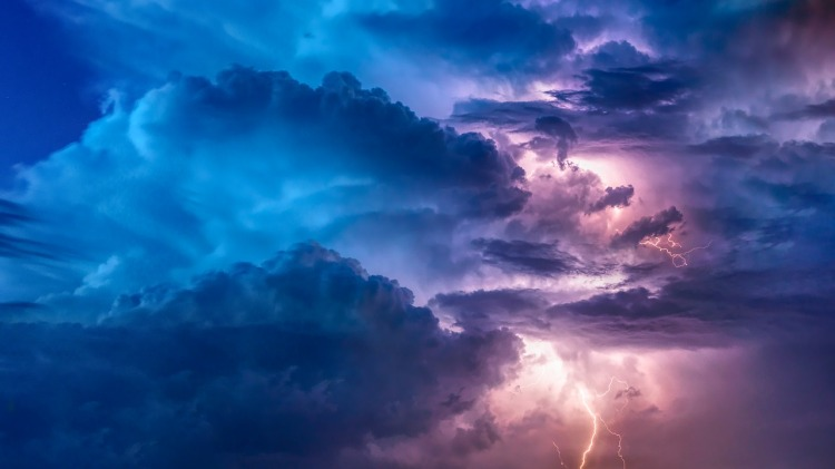 thunderstorm-3625405_1280 (1)